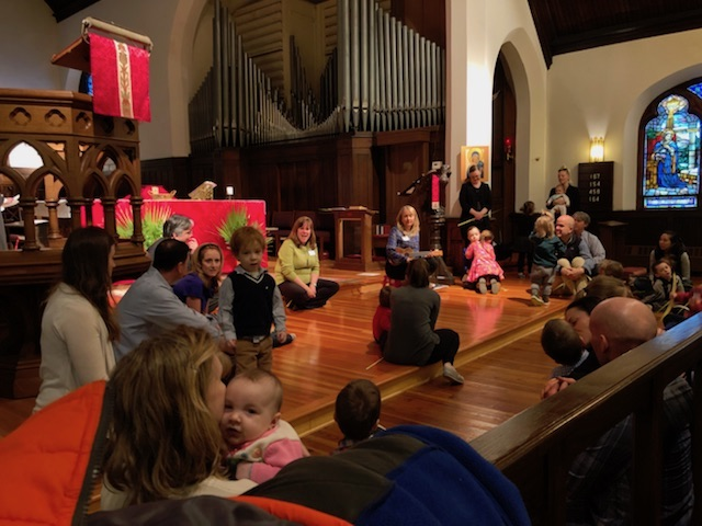 young children church service photo
